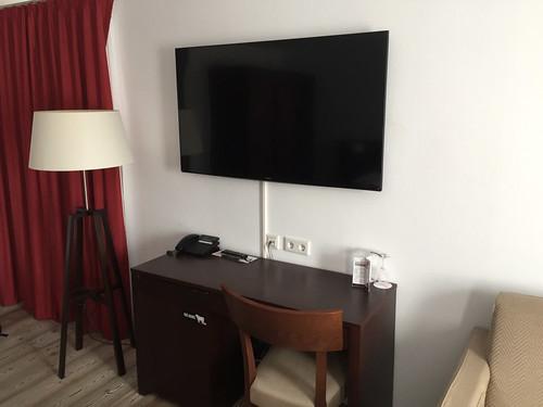 44 - Fernseher - Dormero Hotel Kelheim