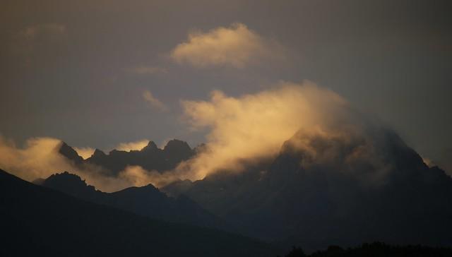 Sunrise over the mountain range of Kawa Karpo, Tibet 2018