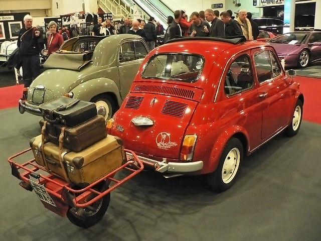 FIAT NUOVA 500L with suitcase trolley (1000626)