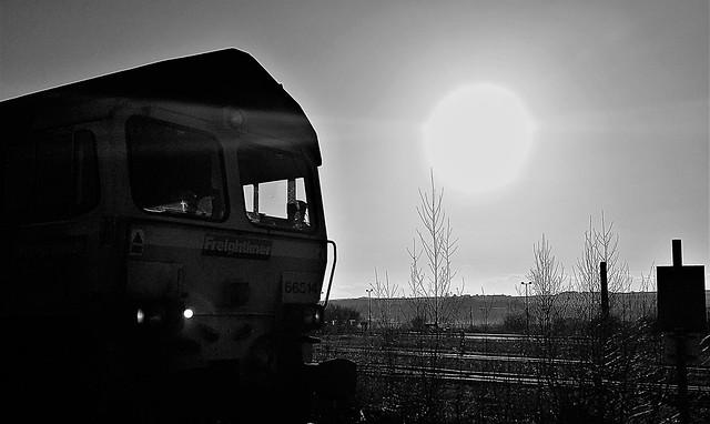 Sunset Silhouette - Freightliner 66514