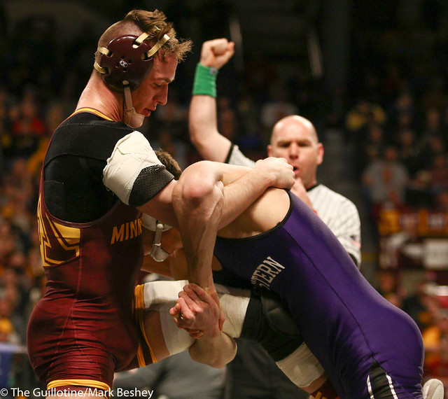 5th Place Match - Ryan Deakin (Northwestern) 29-4 won by major decision over Steve Bleise (Minnesota) 18-7 (MD 10-1) - 190310dmk0103