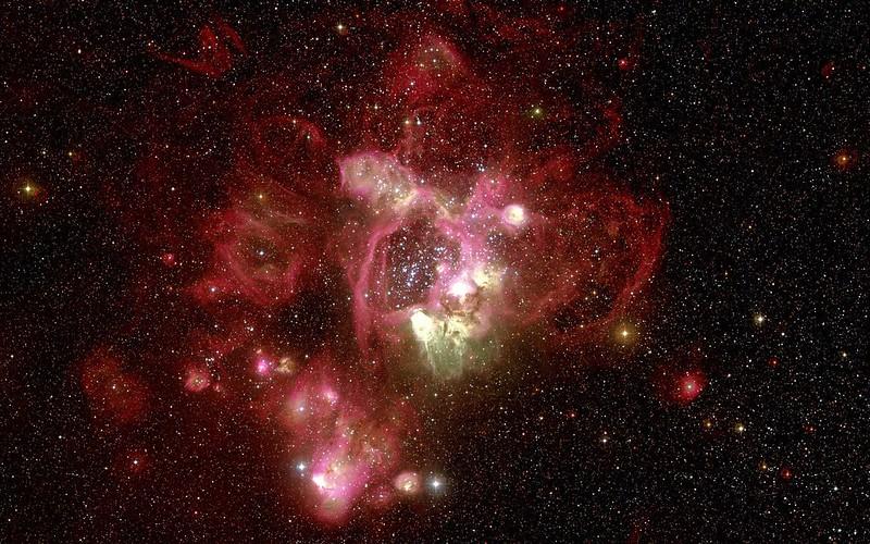 Обои туманность, красная, хаббл, телескоп картинки на рабочий стол, фото скачать бесплатно