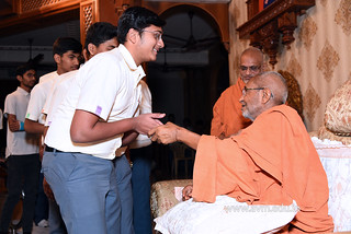 Std-10-11-12-visit-to-Haridham-for-Swamishree's-Blessings-(72) | by Atmiya Vidya Mandir