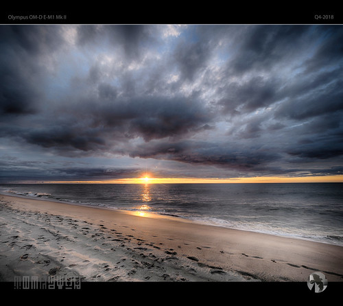 sunset sky clouds sun water ocean beach coast coastal aravenimage q42018 olympus em1mk2 tomraven