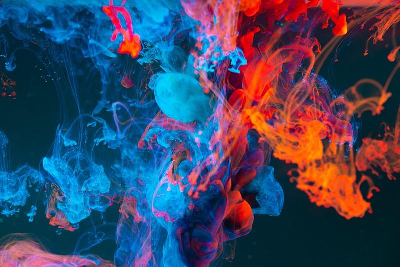 Обои краска, жидкость, абстрактный, разноцветный, сгусти картинки на рабочий стол, фото скачать бесплатно