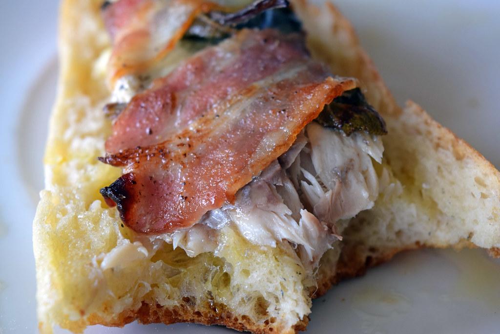maquereaux au bacon et sauge