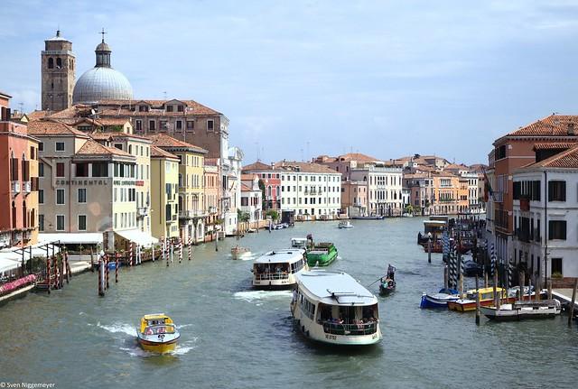 Venedig mit dem Grand Canal, fotografiert von der Scalzi-Brücke am 25.08.15