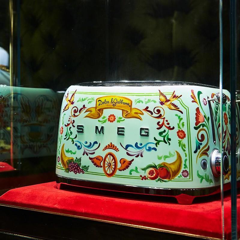 Тостер от Dolce & Gabbana и Smeg