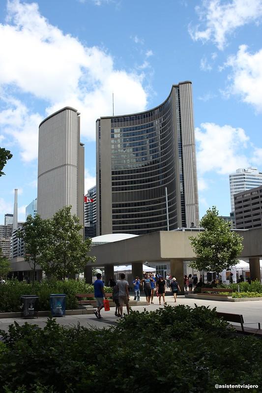 Toronto City Hall (1)