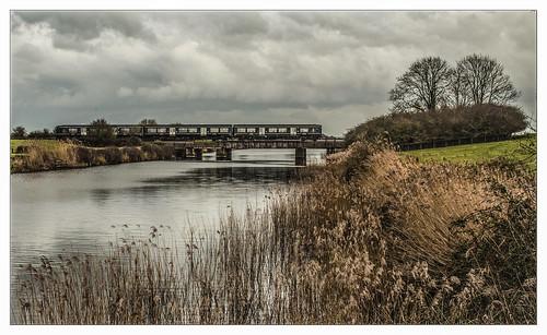 turbo dmu dieselmultipleunit gwr greatwesternrailway huntspillriver somersetlevels highbridge railway train