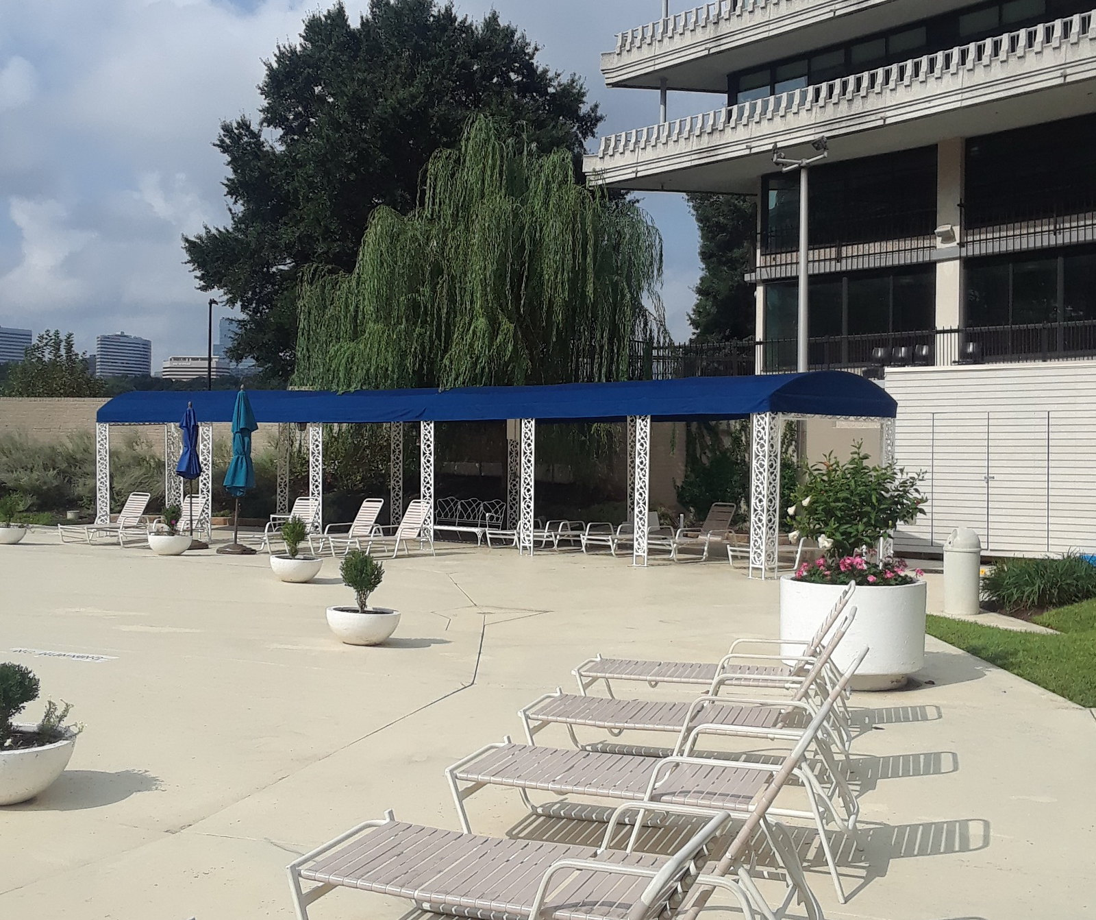 Stand-Alone-Canopy-Pool-Awning