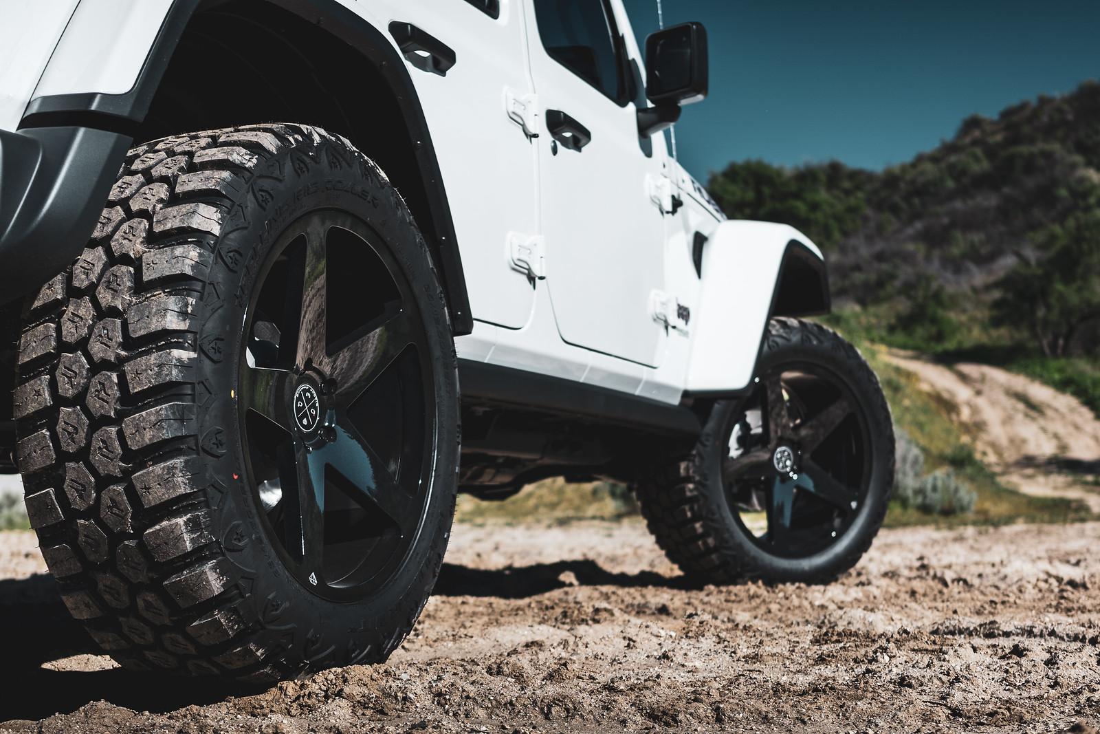 Jeep_Wrangler_BD15_GlossBlack-13