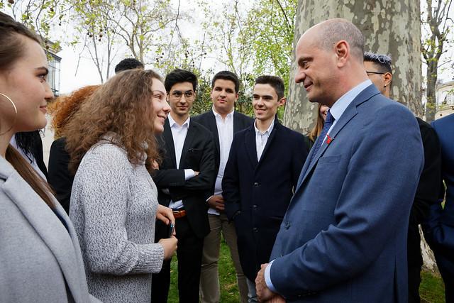 Changement climatique: les élus du Conseil national de la vie lycéenne porte-parole devant les ministres des propositions issues des débats dans les lycées