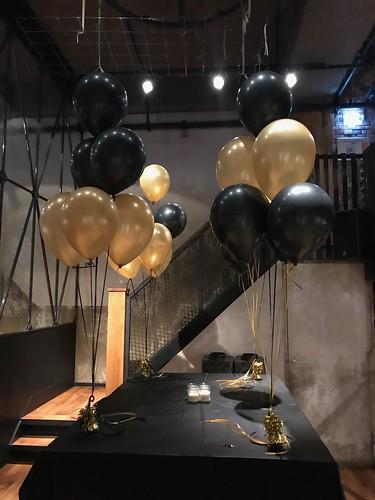 Tafeldecoratie 6ballonnen Cafe in the City Rotterdam   by Globos Ballonnen
