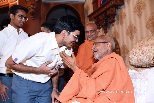 Std-10-11-12-visit-to-Haridham-for-Swamishree's-Blessings-(33) | by Atmiya Vidya Mandir