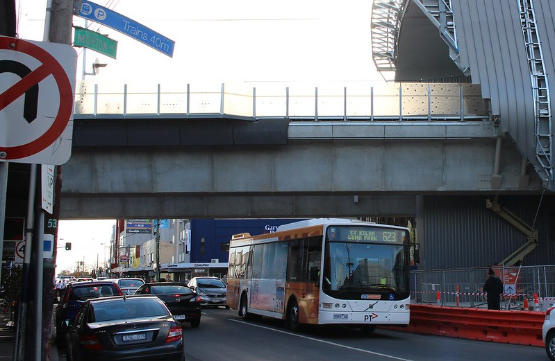 Bus underneath the skyrail at Carnegie
