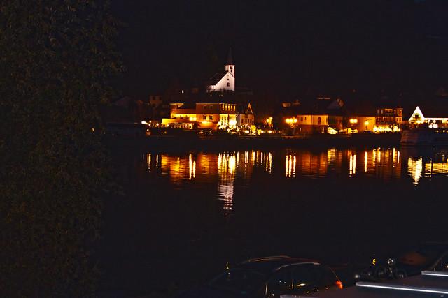 Löf by night ... (0451)