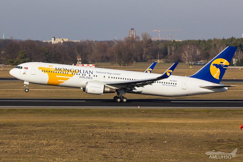 MIAT Mongolian Airlines - B763 - JU-1021 (8)