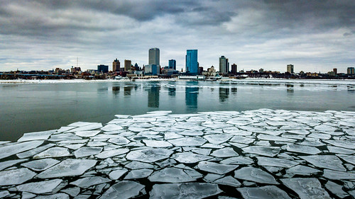 cityscape usa drone milwaukee dji lakemichigan 2019 wisconsin skyline city february unitedstates djimavicpro aerialphotography ice unitedstatesofamerica us