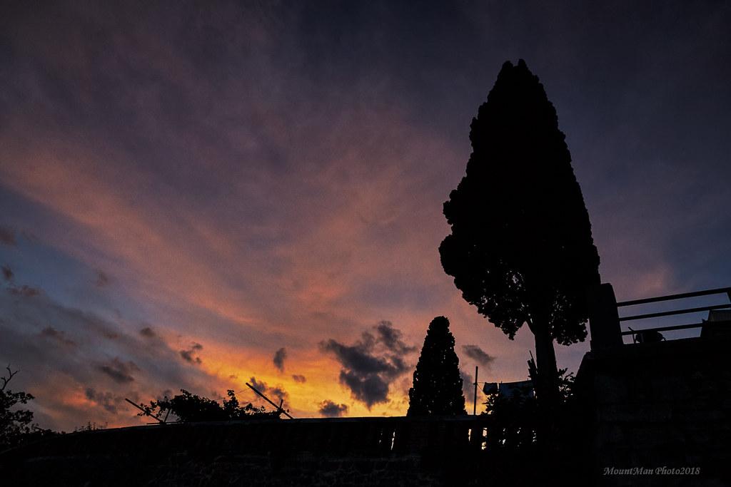 Posljednje zrake dnevnog svjetla s vološćanskog lungomara