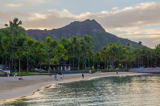 Diamond Head from Waikiki Beach | by daverodriguez