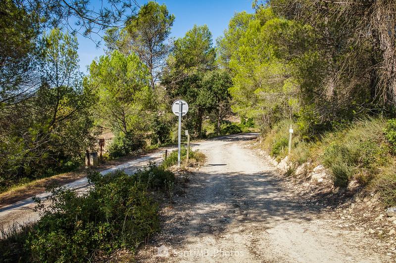Bifurcación a Cal Mingo y el Barri La Font en Viladellops