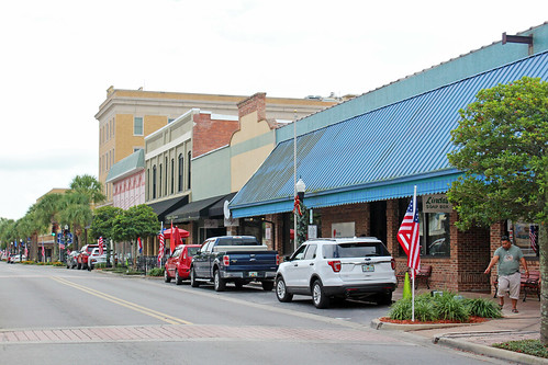 cityscape downtown businessdistrict street commercialbuildings commercialblocks leesburg florida unitedstates