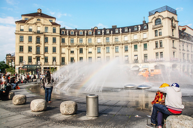 卡爾廣場(Karlsplatz) 2
