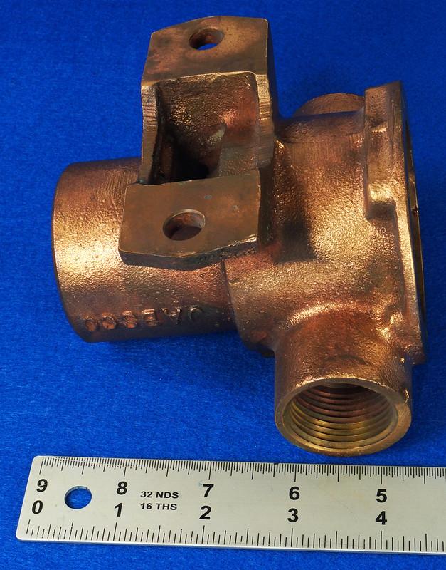 RD26699 Jabsco 2 inch Bronze Pedestal Pump Housing & Plate Only #18370-0000 DSC08800