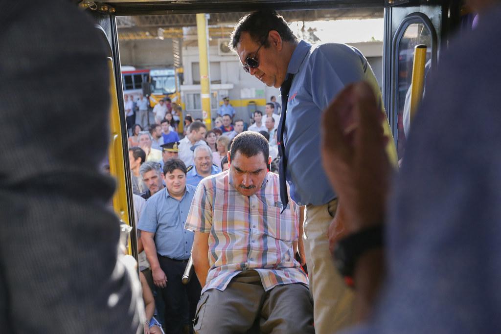 2019-02-18 PRENSA: Presentación colectivos climatizados y rampa para personas con discapacidad