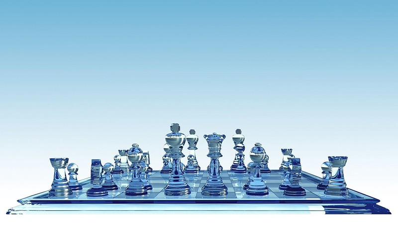 Обои шахматы, доска, партия, стекло картинки на рабочий стол, фото скачать бесплатно