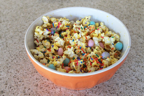 easter-popcorn-treat4-624x416