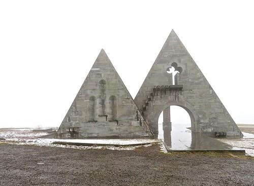 triangles shapes keyhole border rainy