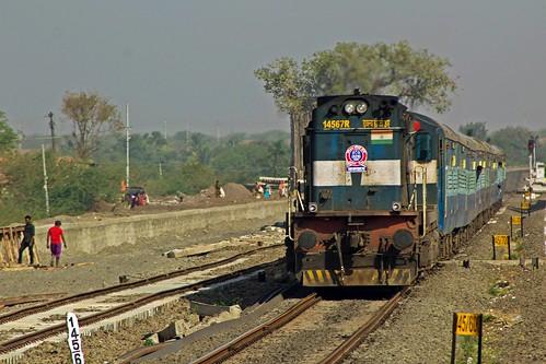 11139 cstmgdg mumbaigadag express cr swr bsrx basavanabagewadi kyn kalyan wdg3a 14567 rebuilt alco