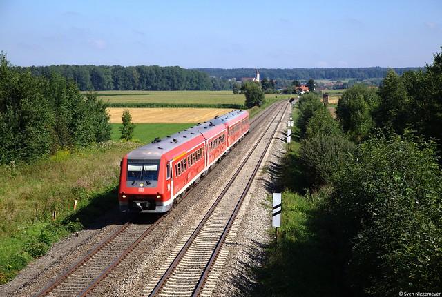611 042 + 611 035 als IRE von Ulm nach Schaffhausen bei Mochenwangen am 21.08.13
