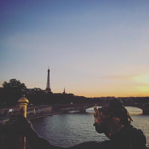 sunset statue waterview vacation summer2018 eiffeltower historical paris