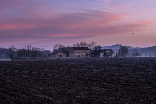 agriculture casale country countryside countrysidehouse dawn italia italy land landscape marcheregion nature pink sky sunset serradeconti provinceofancona it