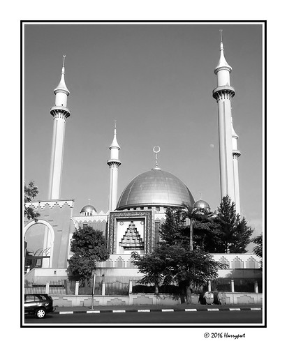 harrypwt borders framed city nigeria africa afrika blackberry z30 monochrome bw abuja mosque