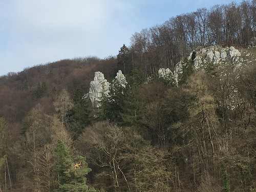 35 - Felsspitzen Peter und Paul - Donau zwischen Kelheim & Kloster Weltenburg