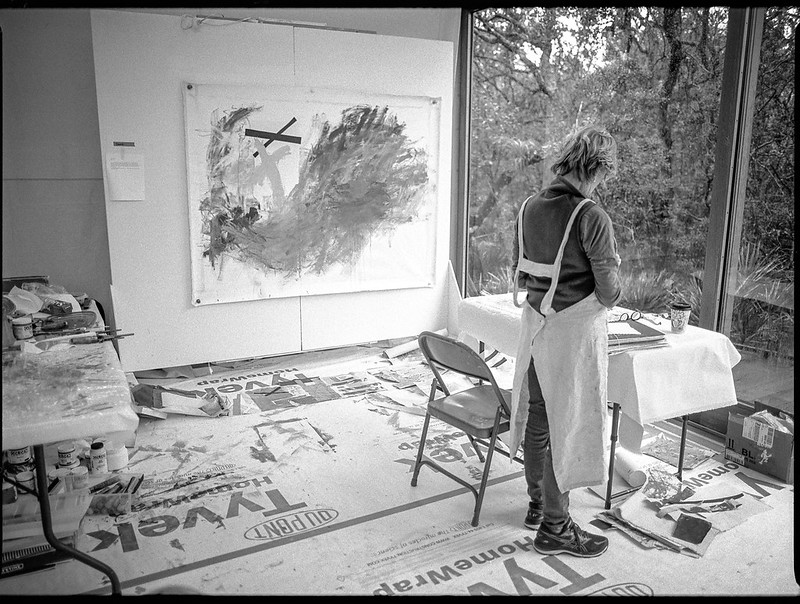 artist Duane Couch, at work, Atlantic Center for the Arts, New Smyrna Beach, FL, Mamiya 645 Pro, mamiya sekor 45mm f-2.8, 1.25.19