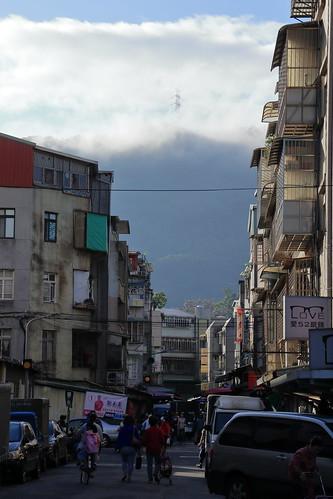 taiwan taipei 台北市 風景 scenery landscape clouds sky buildings city colorful blue orange black outside tamron sunrise light fall autumn morning