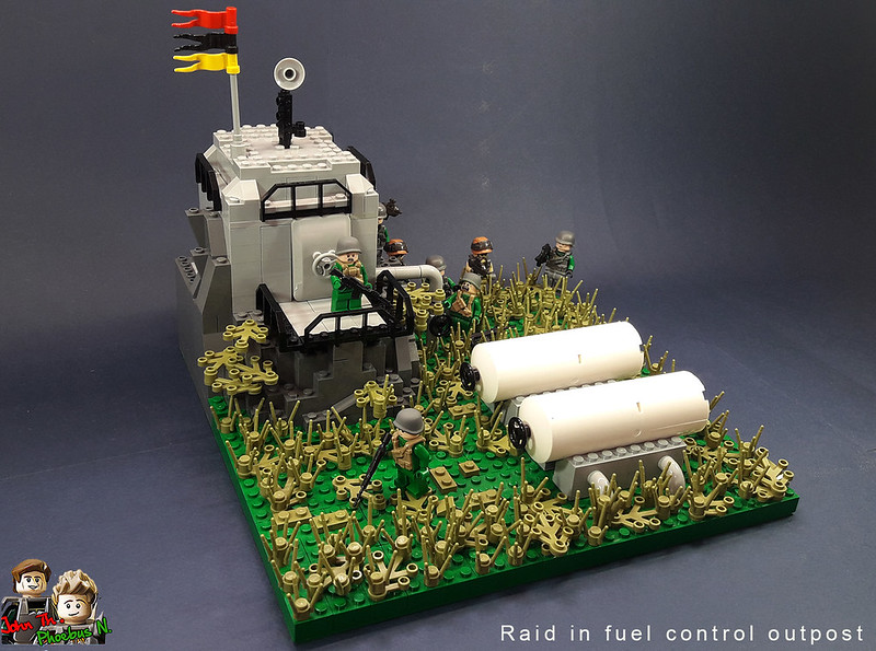 [Great Brick War - Adamson (γιος Adam)] - Raid in Fuel Control Outpost 47447810891_cbeddb7839_c