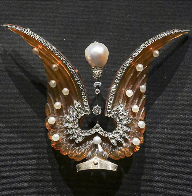 Tiara combe head, probably France, about 1900, bleached tortoiseshell