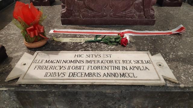 Grabstätte Friedrich II, Staufer