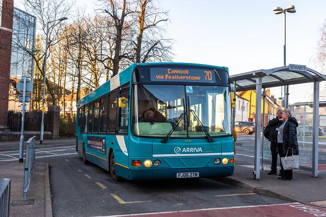 Arriva Midlands Wright Commander FJ06ZTM 3725, Cannock Bus Station