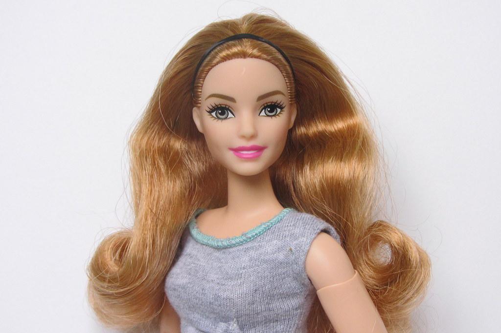 Curvy with Auburn Hair Babie Made to Move Doll
