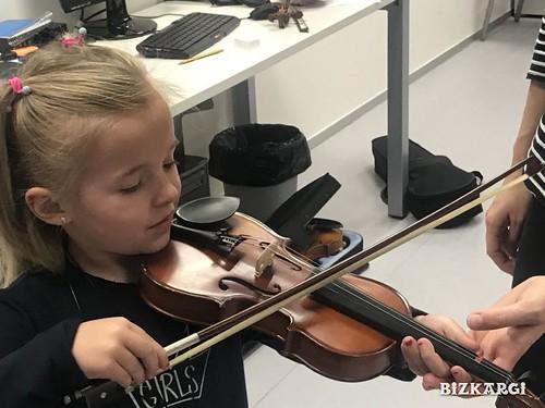 Instrumentu aurkezpen inklusiboa | by BIZKARGI Musika Eskola