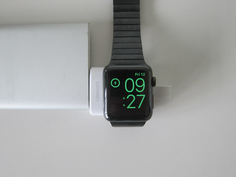 Ugreen Portable Apple Watch Charger - Charging
