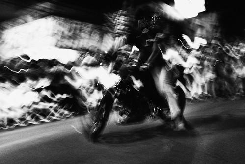 meljoesandiego fuji fujifilm x100f streetphotography flash slowshutter motionblur monochrome philippines