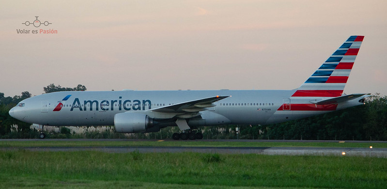 American Airlines - B777-200